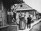 A family in the shtetl of Pinsk, in what was then the Pale of Settlement (now Belorussia)