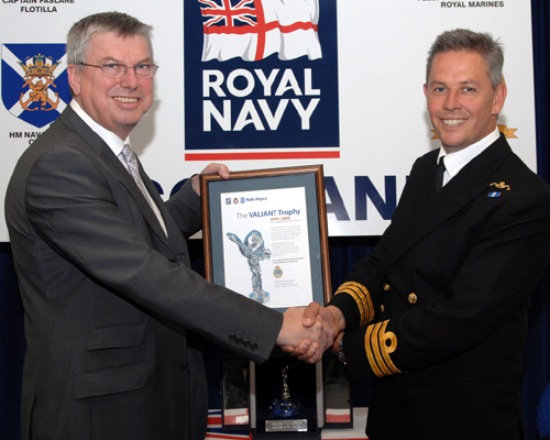 Steve Ludlam (President Rolls-Royce Submarines) presents Valient Sea Trophy to Cdr Richard Lindsey