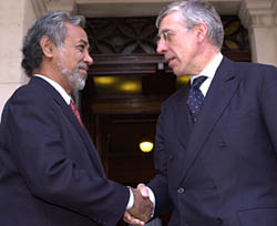 President Xanana Gusmao meets Jack Straw at the Foreign Office, 15 October 2003