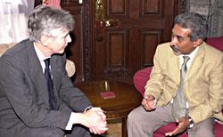 Mike O'Brien meeting Prime Minister Alkatiri