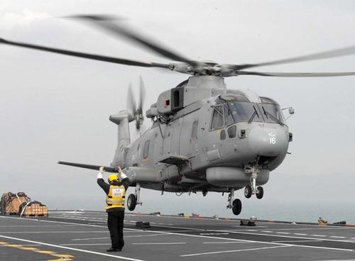 Merlin sets off from HMS Ocean
