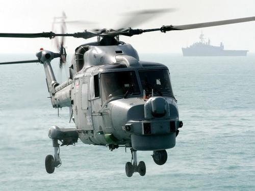 Lynx helicopter off HMS Argyll on patrol, Aug 05