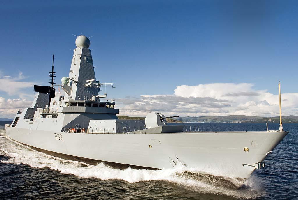 HMS DARING ar Sea