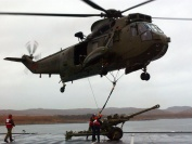 845 NAS Sea King lifting underslung 105mm Light Gun