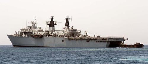 LCVP departs HMS Bulwark