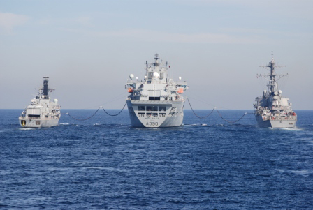 HMS Somerset and USS Mitscher RAS with RFA Wave Ruler