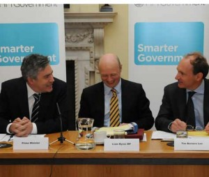 PM, Liam Byrne and Tim Berners Lee at Smarter Government seminar in 2009; Crown copyright