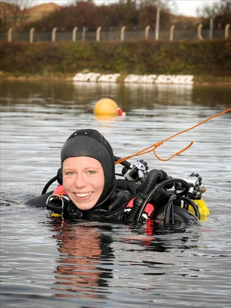 First female diver makes history for the Royal Navy
