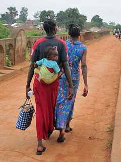 Women in Dungu, Congo (Rachel Brass)