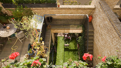 Courtyards and terraces - well defined private space