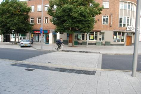 Flush kerbs and granite paving were used on the carriageway to indicate the crossing. Photo by Graham Redman, Southampton City Council