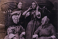 A photo of Newhaven fishwives 1895, Catalogue reference: COPY1/419(ii)