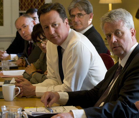 David Cameron and Andrew Lansley take part in a roundtable; Crown copyright