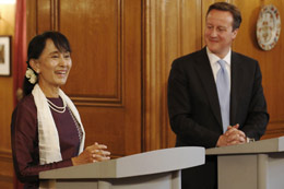 Prime Minsiter with Aung San Suu Kyi during her visit to Britain