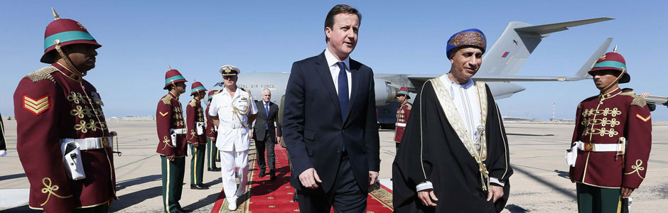 David Cameron and the Sultan of Oman at Muscat Airport