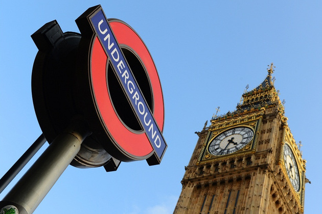 Big Ben and Westminster tube sign