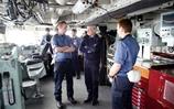 Fleet Commander visits HMS Sutherland during exercise Joint Warrior