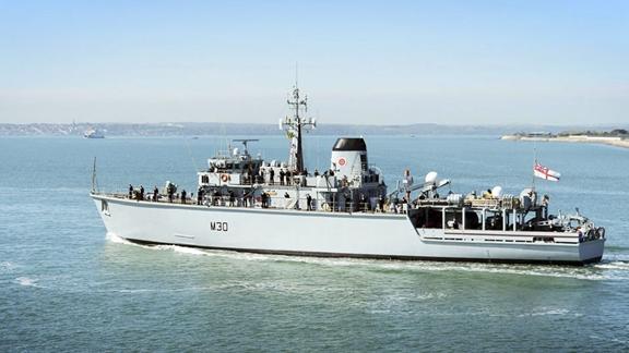HMS Ledbury heads for the med