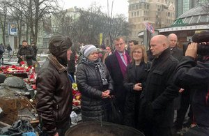 Foreign Secretary William Hague speaking to people in Maidan, Kyiv.