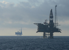 JNCC provide advice on the environmental impacts of offshore activities such as oil and gas installations © Alex Brown
