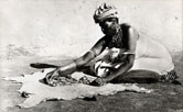 Image: he use of bones, shells and pebbles as tools of divination has remained constant in many African medical traditions.